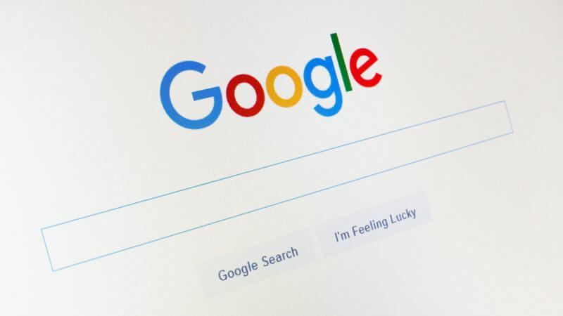 Google, daha fazla bilgi içeren yeni genişletilebilir snippet'leri başlattı